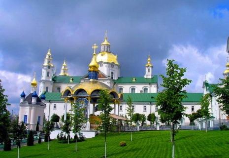 9 мая во Львове + Жовква / Замки золотой подковы + Почаев на майские праздники. Цены от 1450 грн.