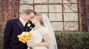 Церемония бракосочетания на террасе Голландской мельницы на закате солнца