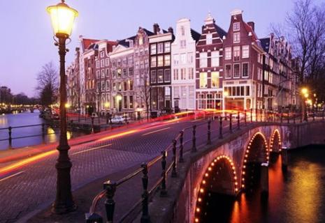 Отдых в Нидерландах. СКАЗОЧНЫЙ ПРАЗДНИК СВЕЧЕЙ в  Амстердаме от 588 евро !!!